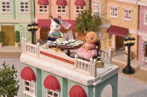 Puppenwagen Sylvanian Families Families Gourmetrestaurant zur goldenen Perle
