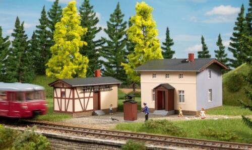 H0 Bahnwärterwohnhaus mit Nebengebäude