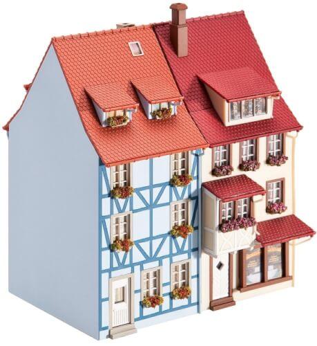 H0 2 Kleinstadthäuser mit Erker